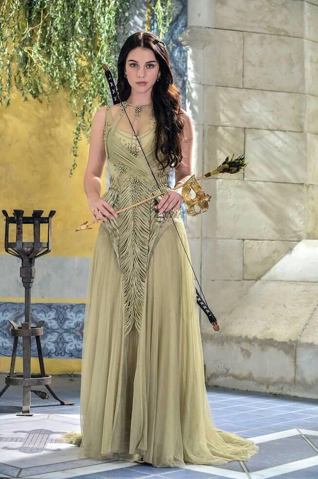 Adelaide Kane In Gown Pics