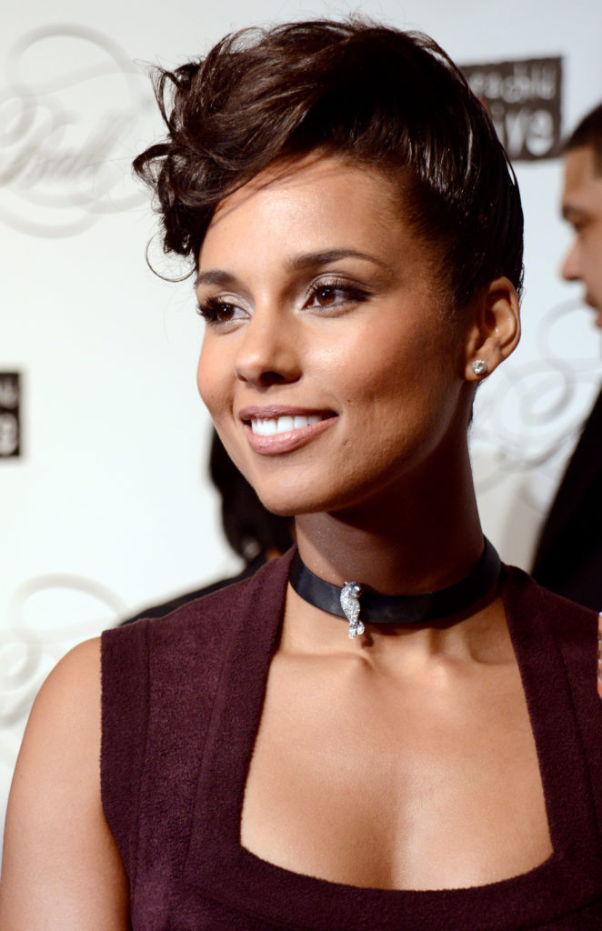 Alicia Keys Bold Pics At Award Show