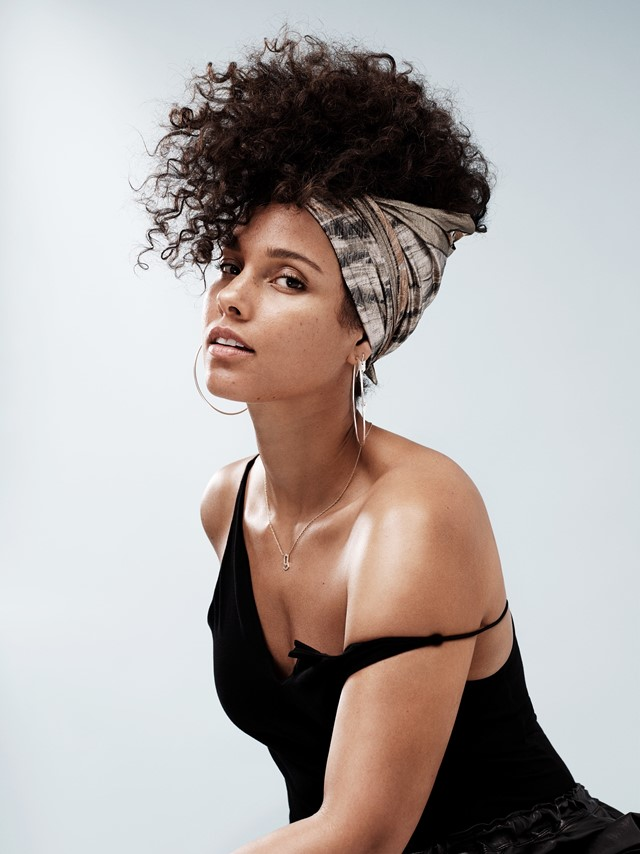Alicia Keys Braless Images