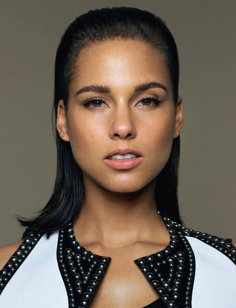 Alicia Keys Sexy Lips Photos