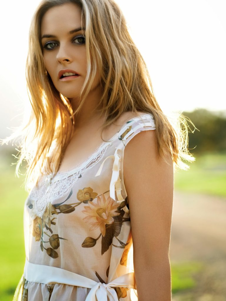Alicia Silverstone Hair Wallpapers