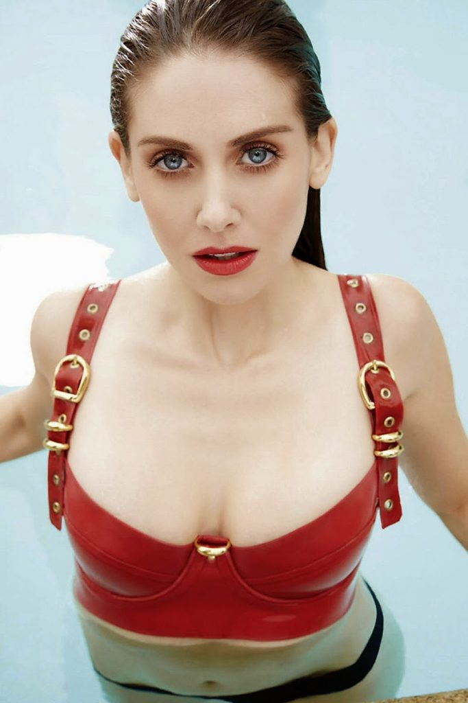 Alison Brie Beach Photos