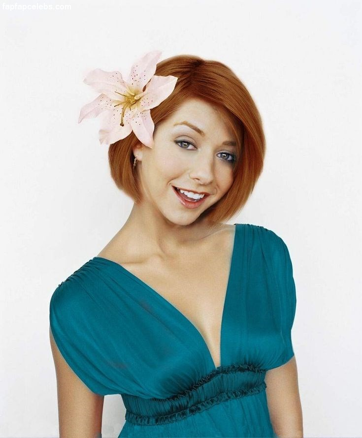 Alyson Hannigan Body Wallpapers