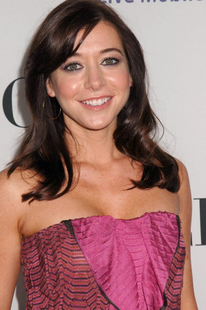 Alyson Hannigan Braless Images