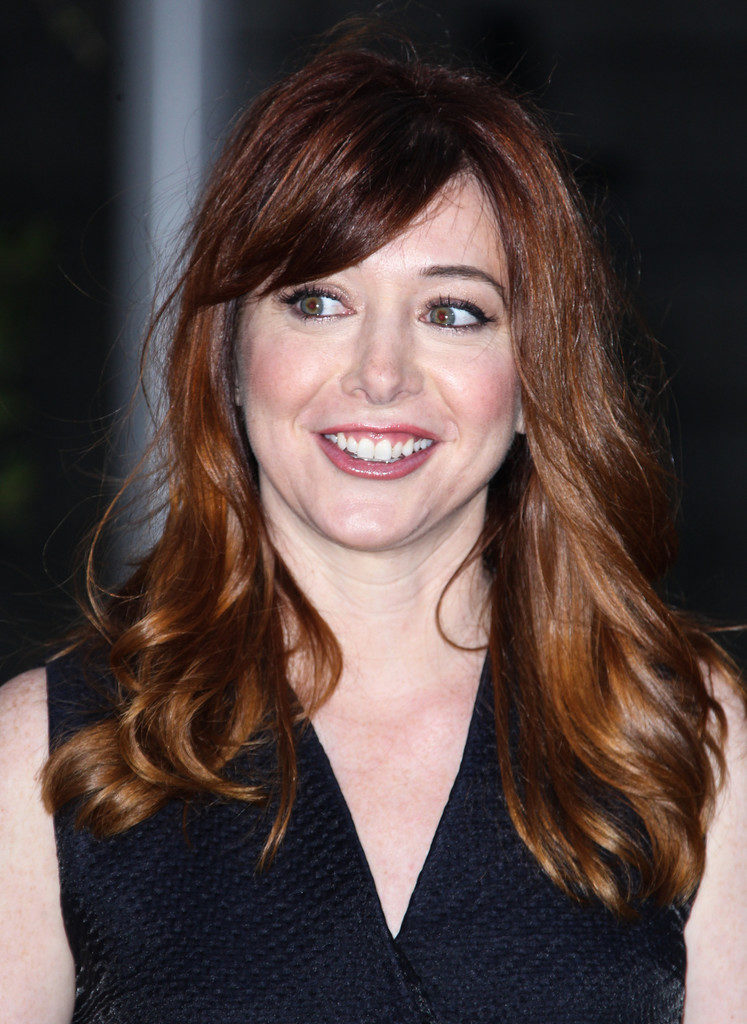 Alyson Hannigan Sexy Eyes Pics