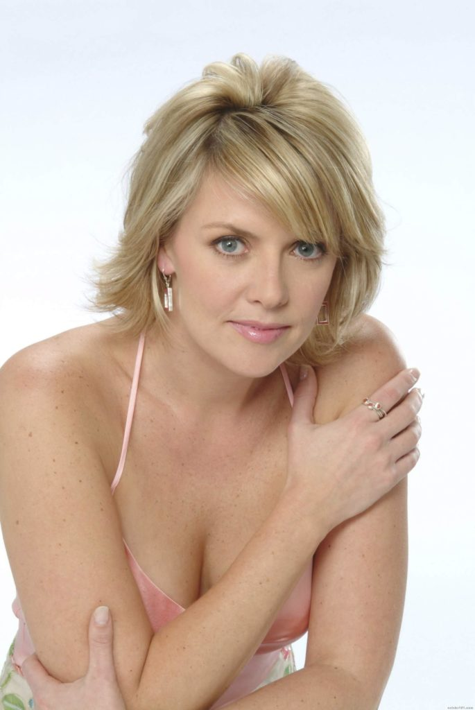 Amanda Tapping Braless Pictures