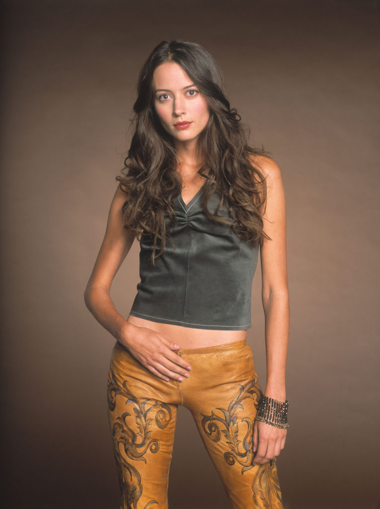 Amy Acker Body Wallpapers