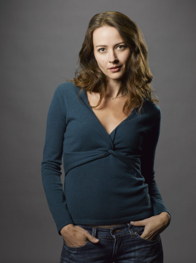 Amy Acker Leggings Pics
