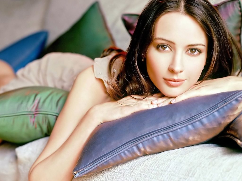 Amy Acker Photoshoot