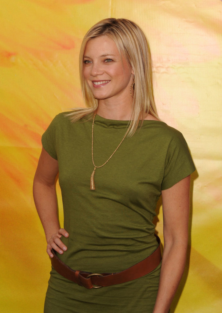 Amy Smart New Hair Style Photos