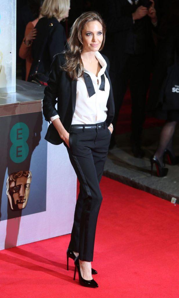 Angelina Jolie Jeans Pics