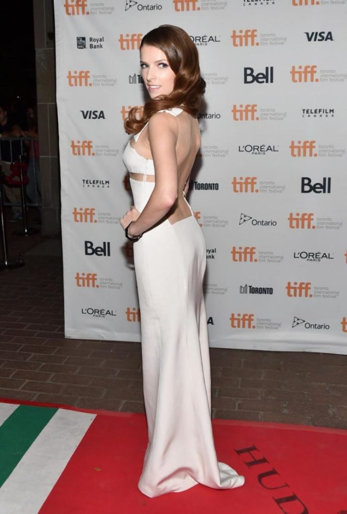 Anna Kendrick Backless Pictures