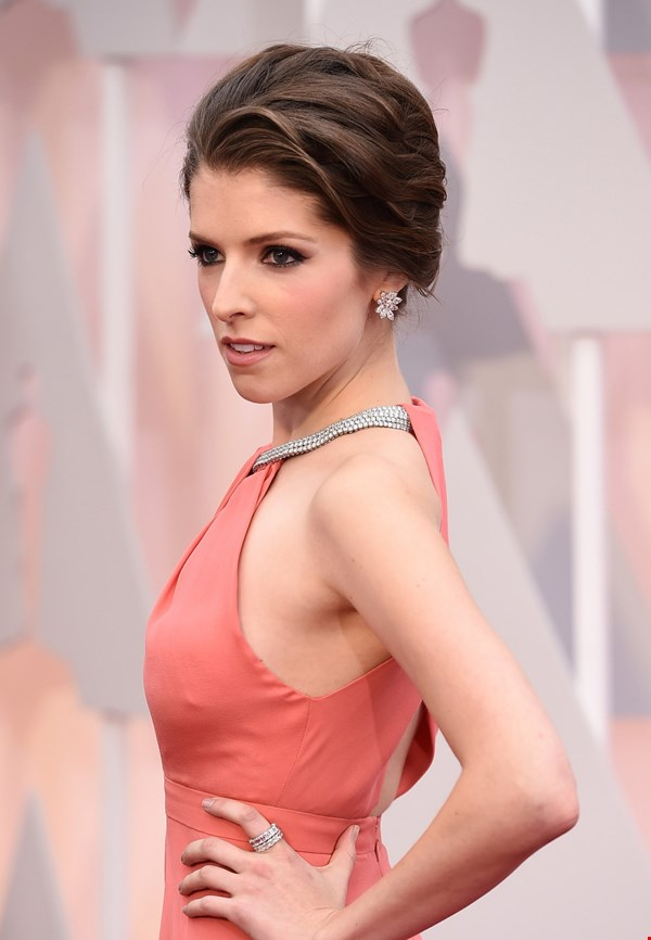 Anna Kendrick New Hair Style Pictures