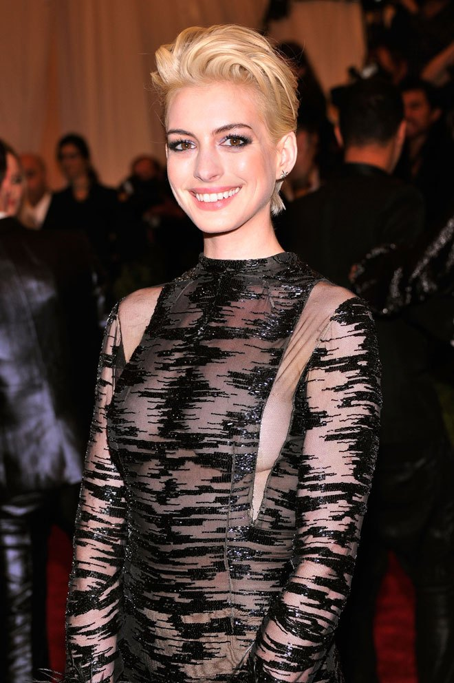 Anne Hathaway Short Hair Images