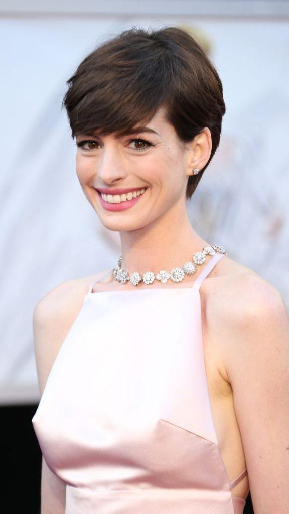 Anne Hathaway Short Hair Pics