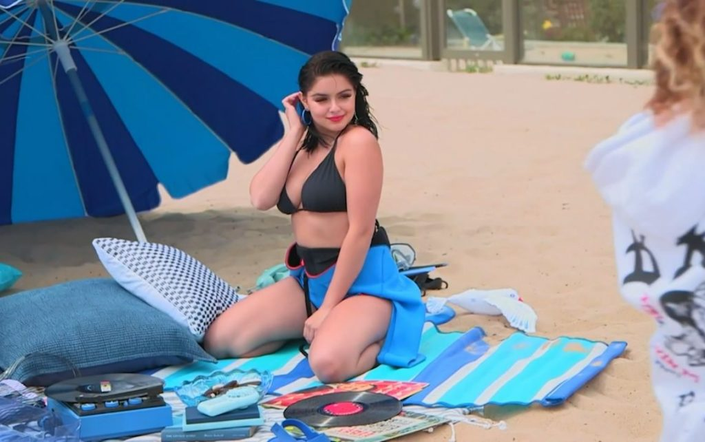 Ariel Winter Beach Images