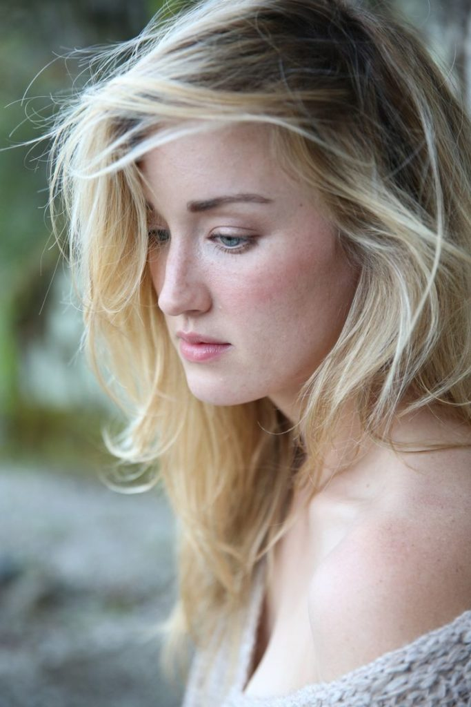Ashley Johnson Leaked Pictures