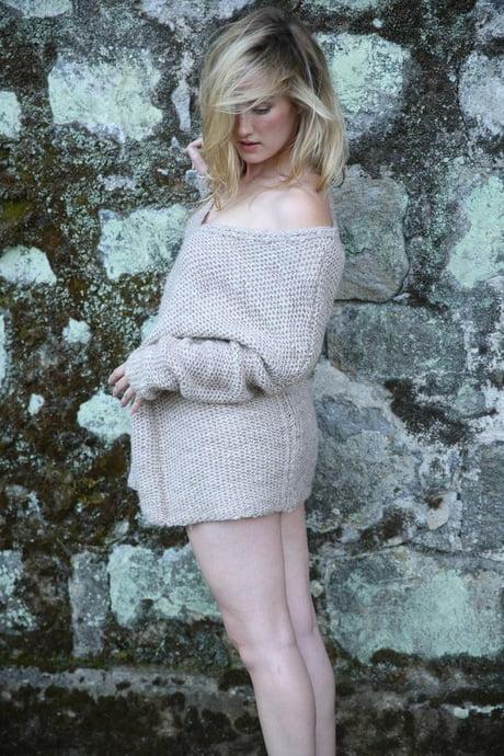 Ashley Johnson Legs Images