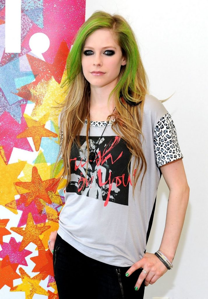 Avril Lavigne Leggings Pics