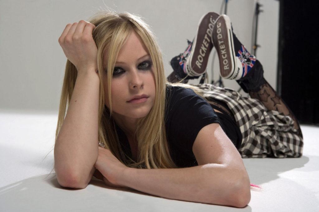 Avril Lavigne Muscles Pics