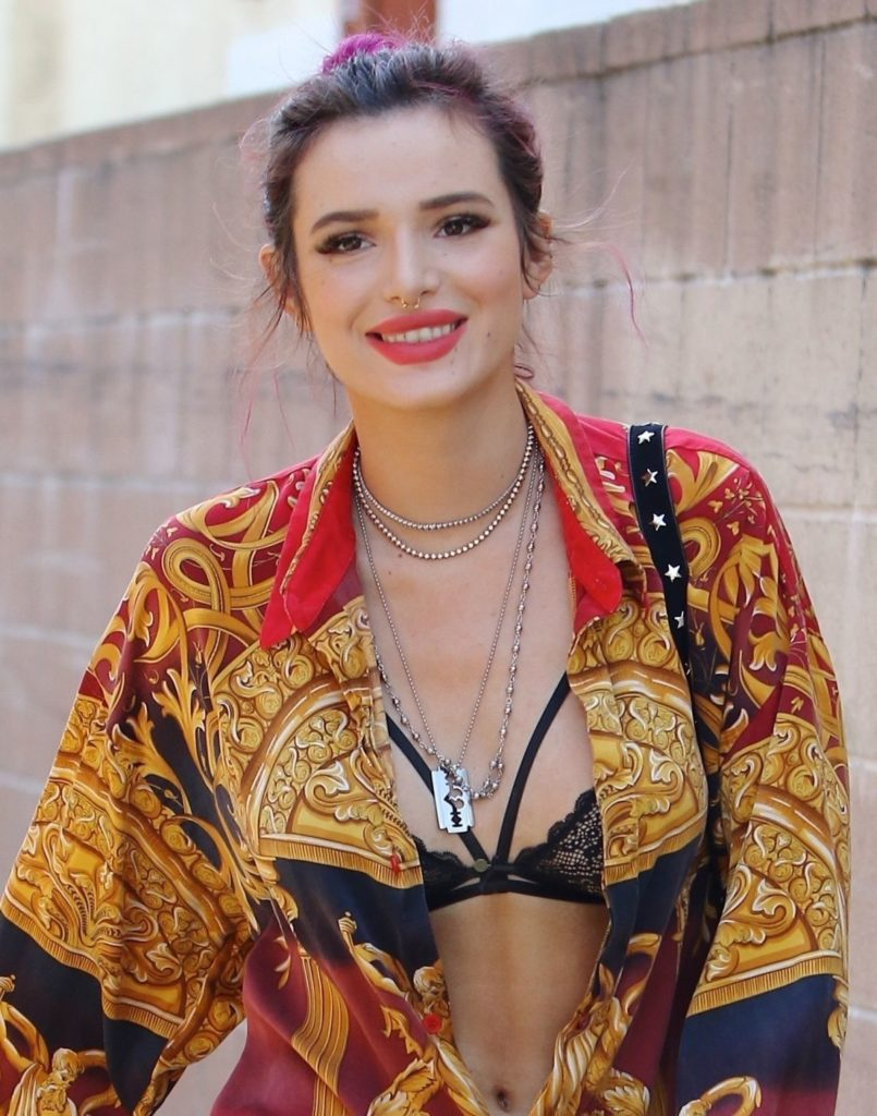 Bella Thorne Bold Wallpapers