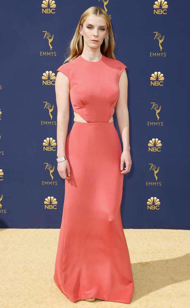 Betty Gilpin Images