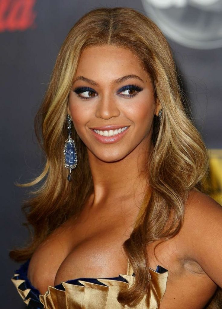 Beyonce Boobs Wallpapers
