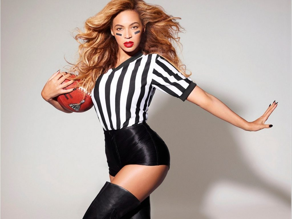 Beyonce Playing Pics