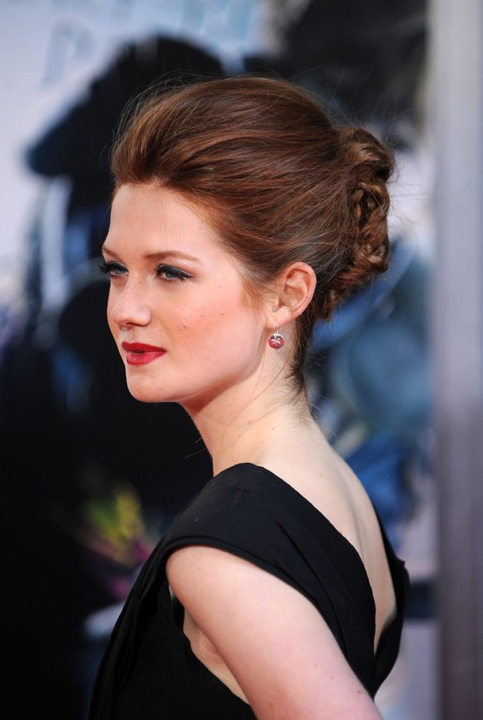 Bonnie Wright Backless Wallpapers