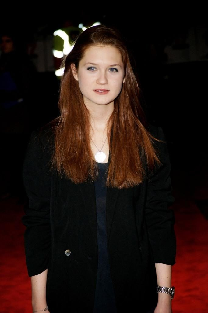 Bonnie Wright Brown Hair Photos