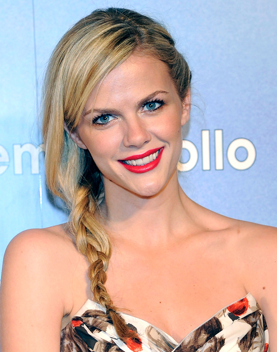 Brooklyn Decker Cute Face Pictures