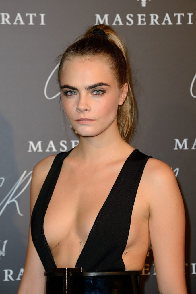Cara Delevingne Without Bra Wallpapers