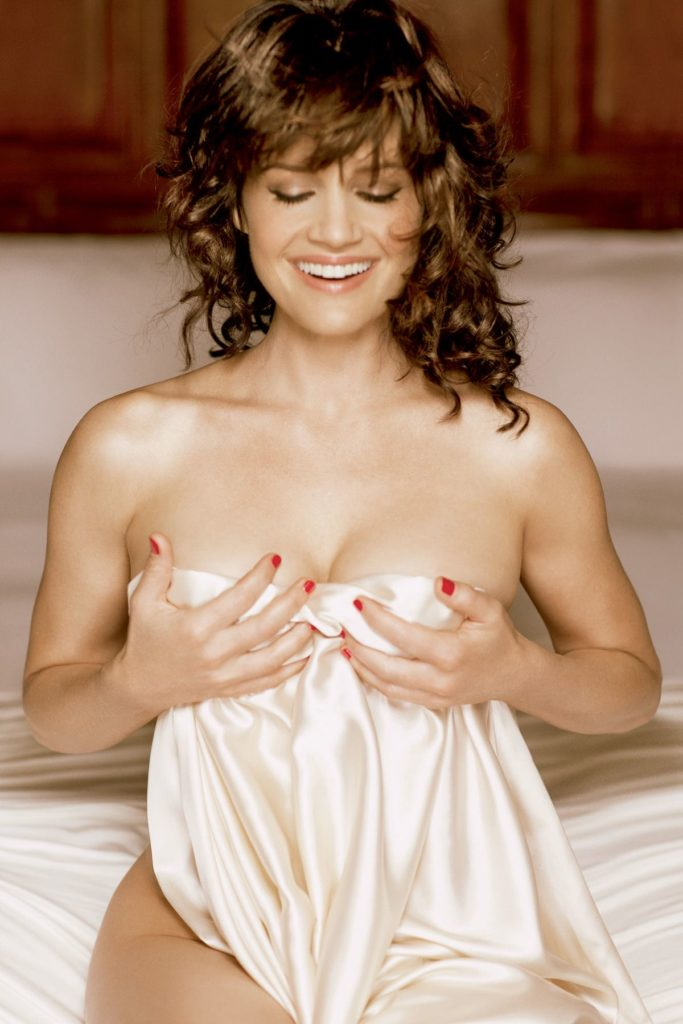 Carla Gugino Undergarments Photos