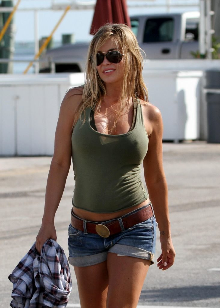 Carmen Electra Shorts Photos
