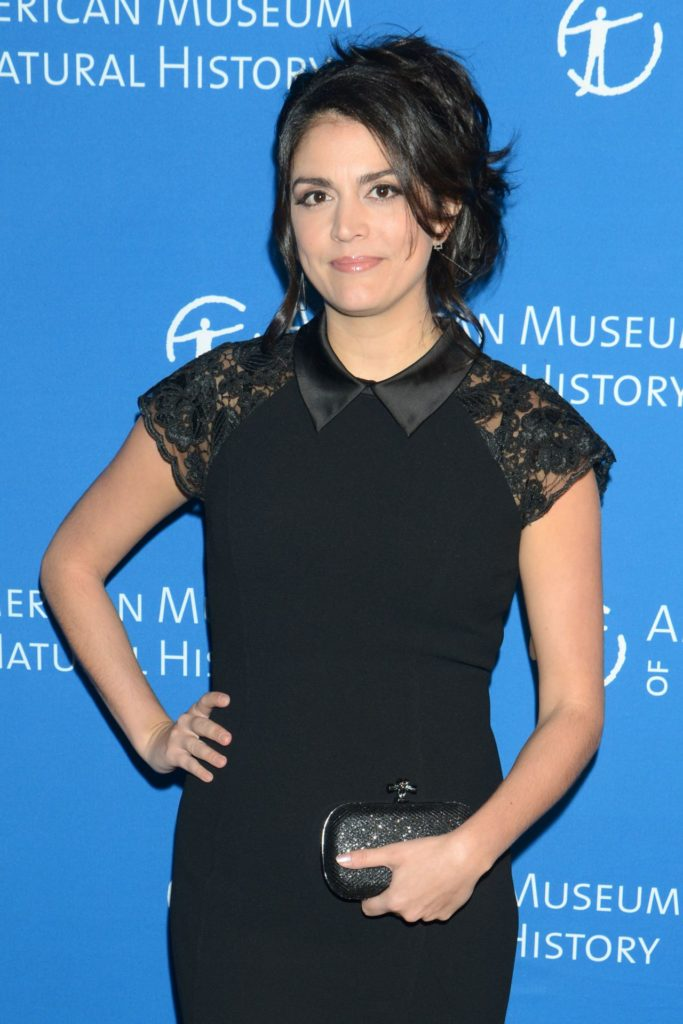 Cecily Strong Leggings Wallpapers