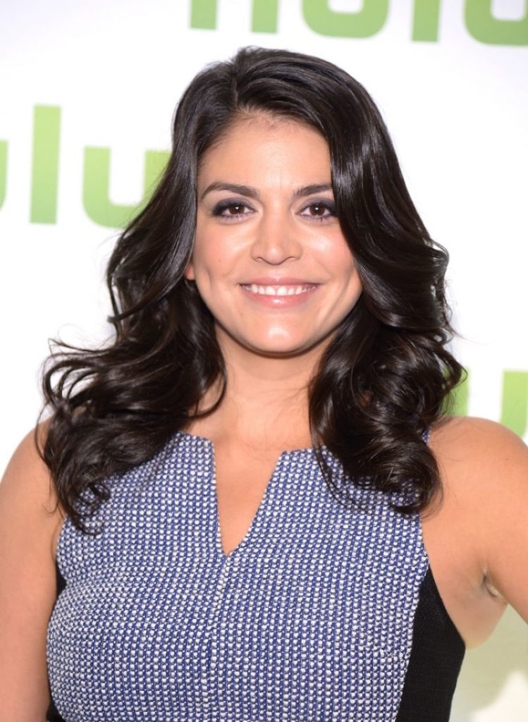 Cecily Strong Stylish Photos