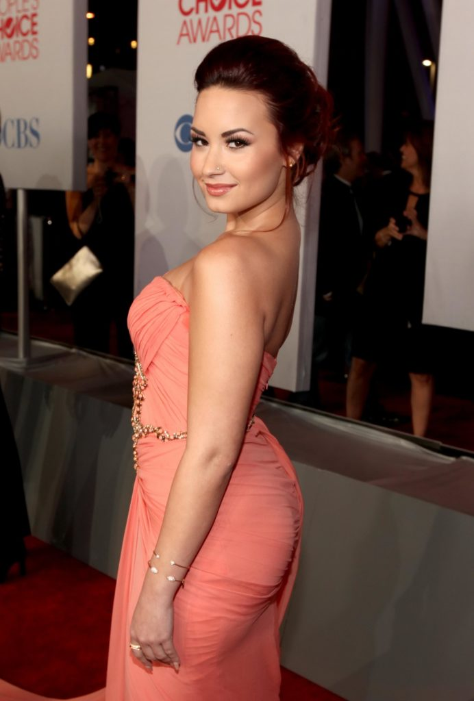 Demi Lovato Hair Style Wallppaers