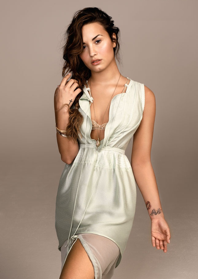 Demi Lovato Shorts Photos