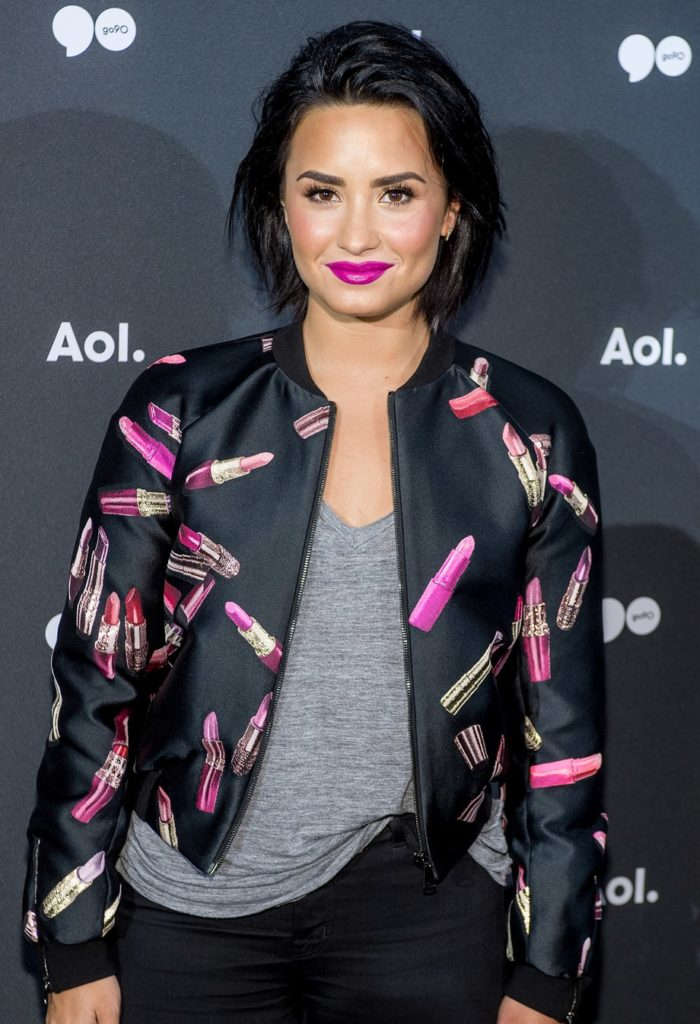 Demi Lovato Smile Face Pics
