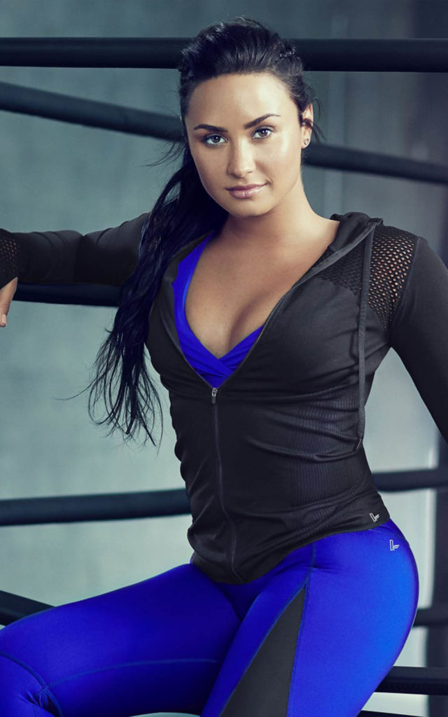 Demi Lovato Yoga Pants images