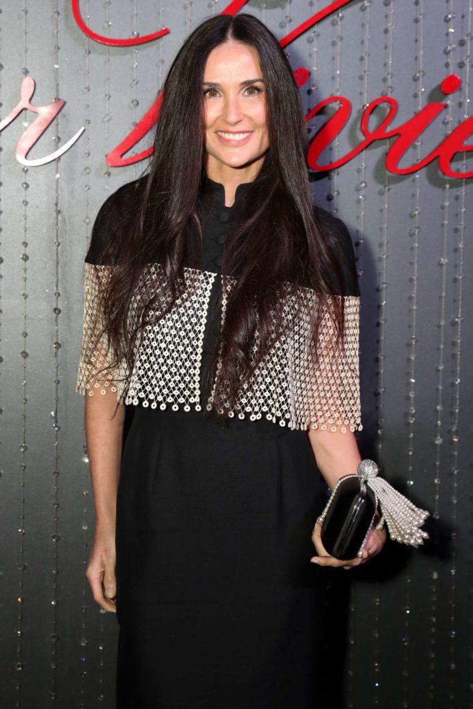 Demi Moore Smile Face Pics