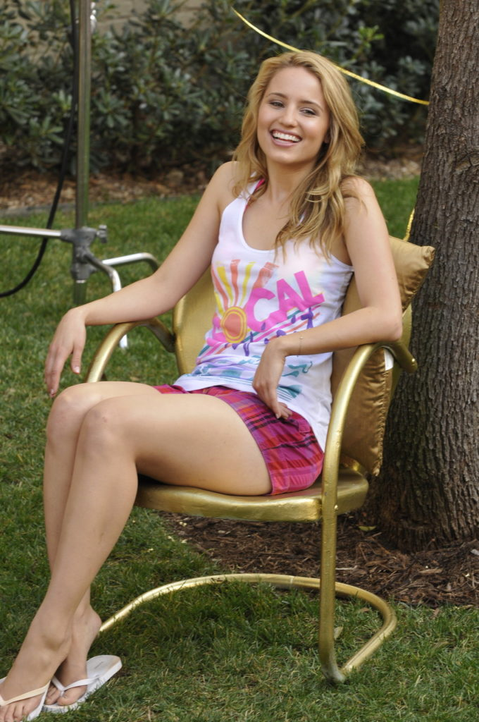 Dianna Agron Legs Images