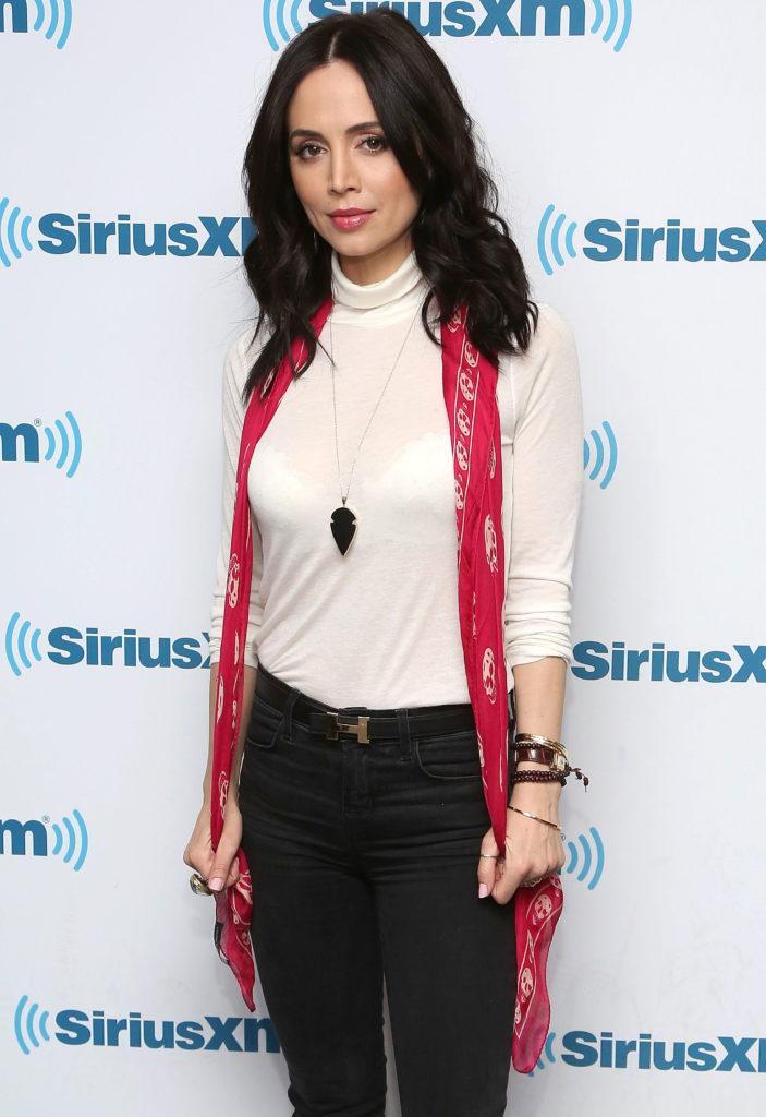 Eliza Dushku Jeans images