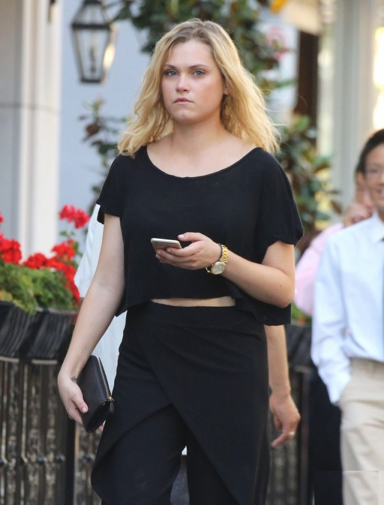 Eliza Taylor Leggings Images