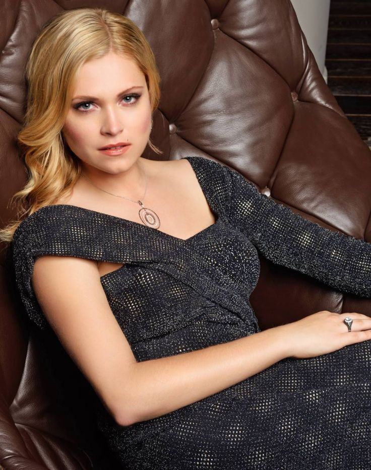 Eliza Taylor Muscles Images