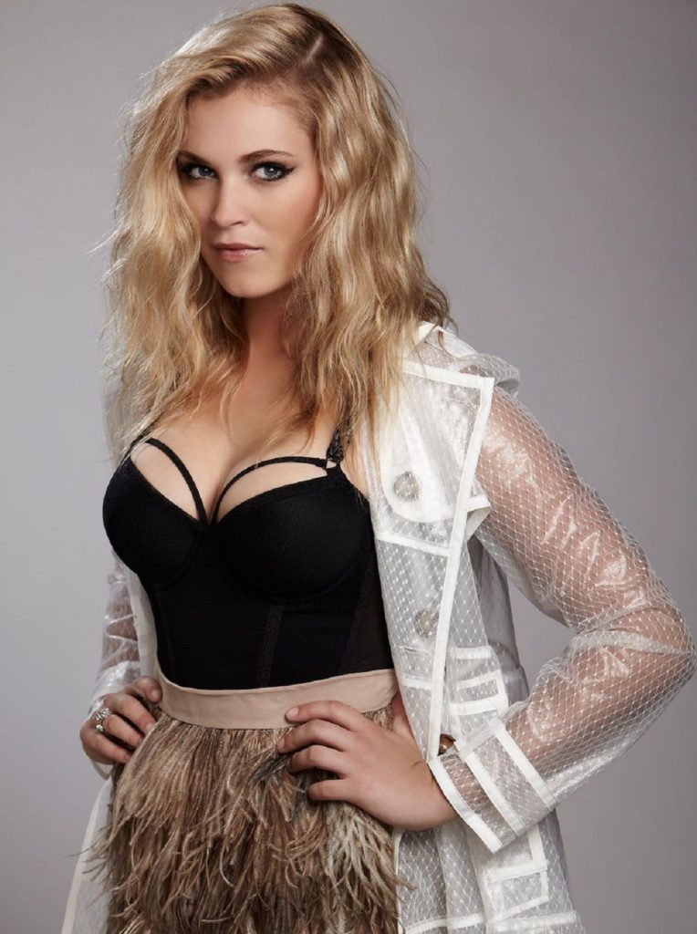 Eliza Taylor Navel Wallpapers