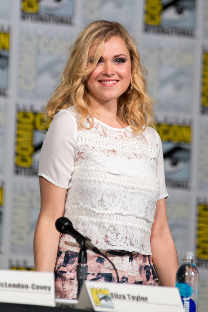 Eliza Taylor Smile Wallpapers