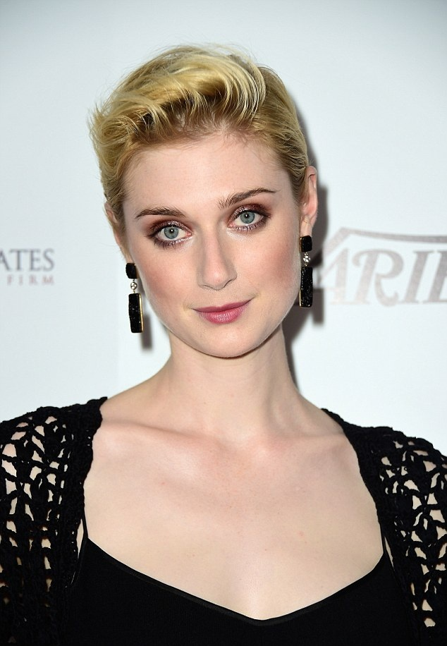 Elizabeth Debicki Breast Images