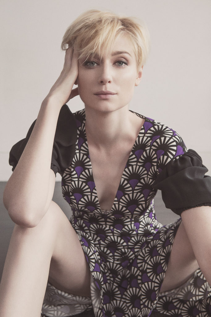 Elizabeth Debicki Legs Wallpapers
