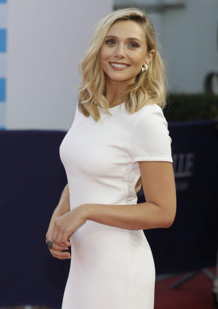 Elizabeth Olsen Smiling Pictures